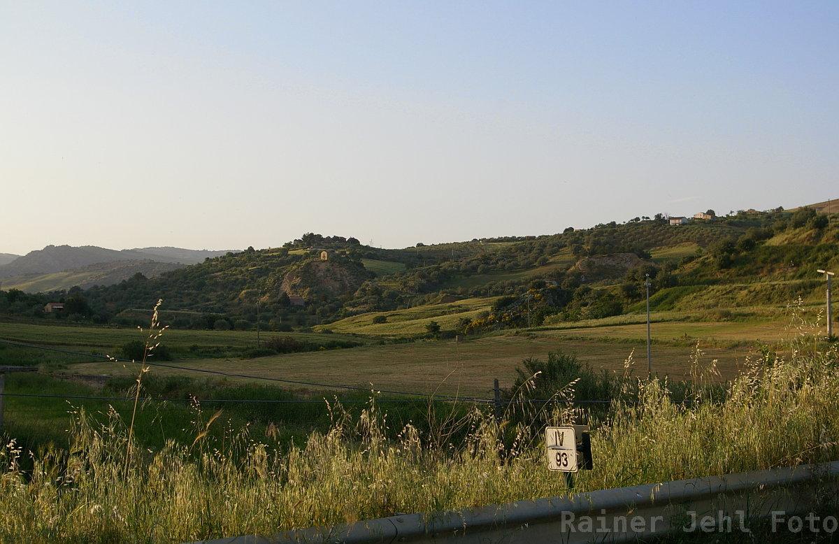 bei/near Calascibetta