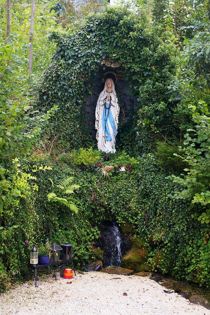 Chiemgau - Antwort Lourdesgrotte / Grotto Lourdes