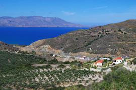bei/near Nopigia Kolpos Kissamou VOAK E090 Mount Gramvousa (hinten/background)